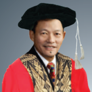 Dr. Andy Woo